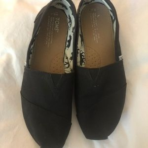Classic Black Toms 8.5 Womens